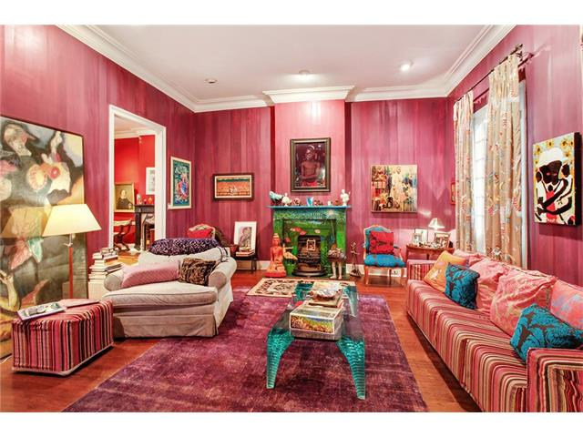 Old Fashioned New Orleans Style Living Room Photo - Living Room ...